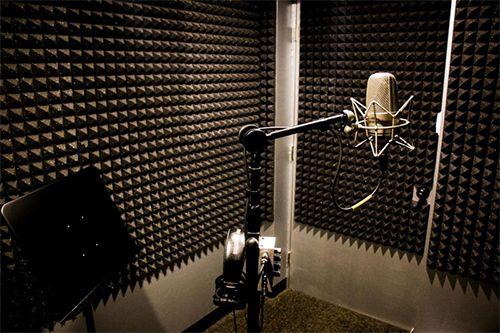 Anechoic recording room
