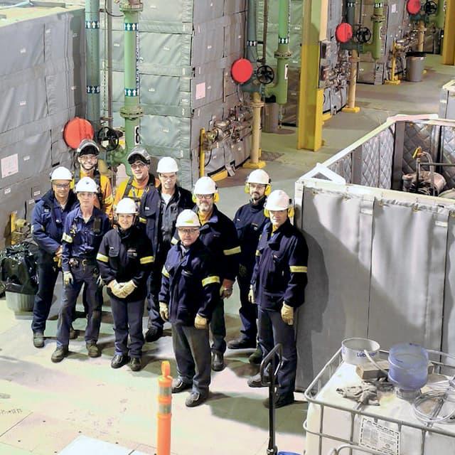 Salle des compresseurs à l'usine Rio Tinto d'Alma
